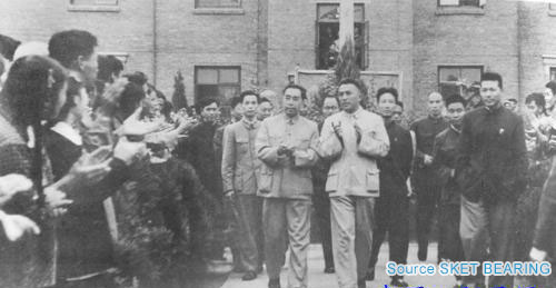Prime Minster Zhou Enlai Inspected Luoyang Bearing in 1959